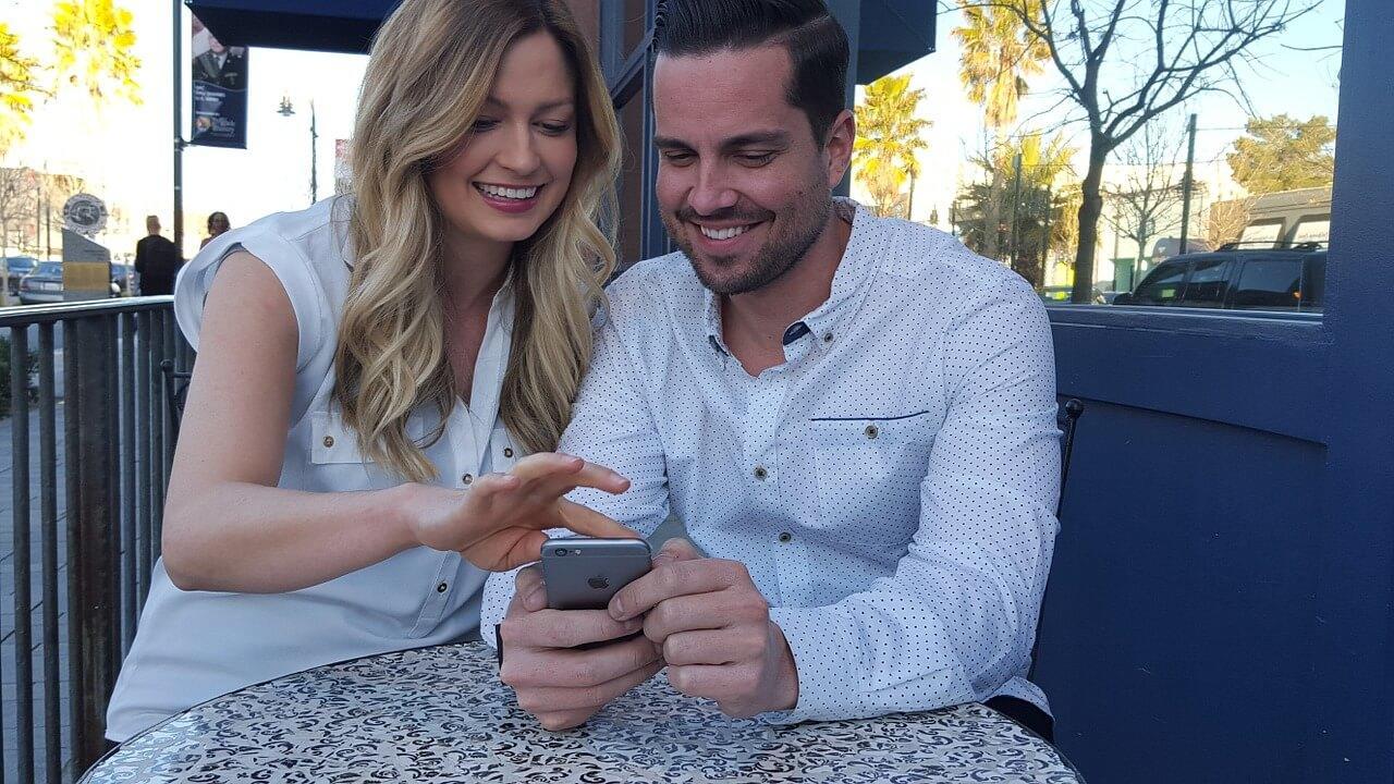 millennials-texting